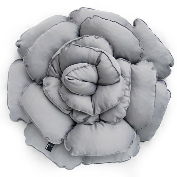 Poduszka dekoracyjna kwiat ROXANNE szary jasny 55cm